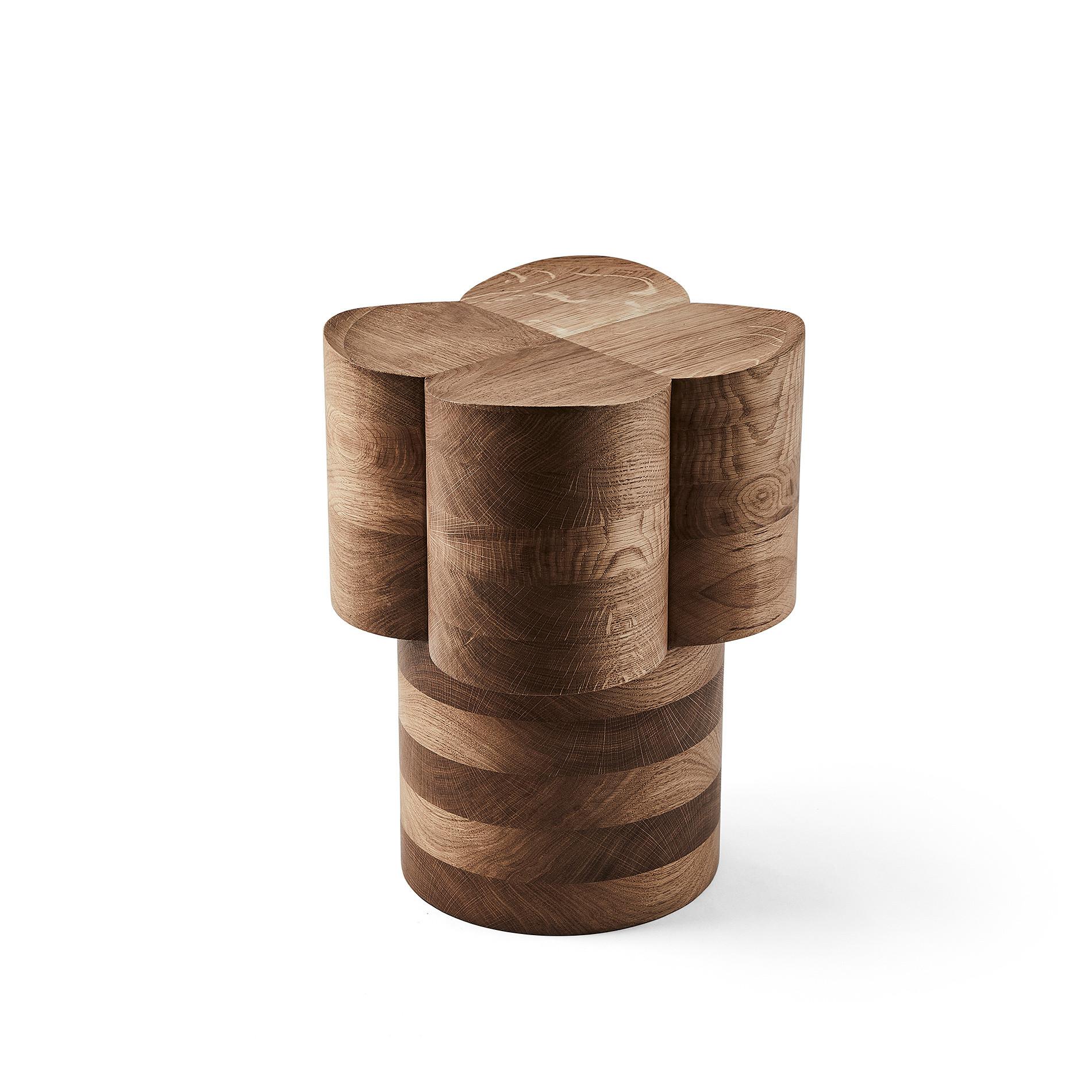 Sgabello in legno di rovere by Agustina Bottoni, Marrone scuro, large image number 0